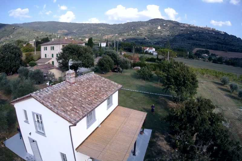 Holiday house soleluna Cortona view from drone